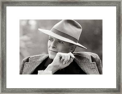 Bowie Off Set 'the Man Who Fell To Earth Framed Print by Terry O'Neill