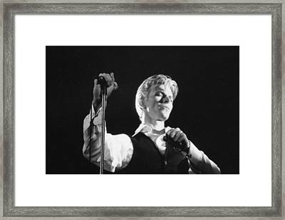 Bowie On Stage  Framed Print by Terry O'Neill