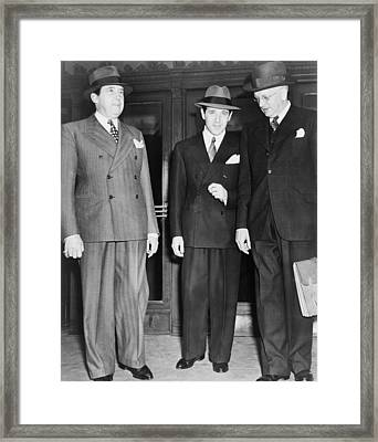 Bugsy Siegel Center With His Lawyers Framed Print by Everett