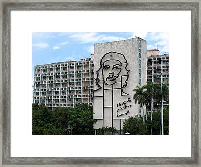 Che Guevara Building Framed Print by Cindy Kellogg