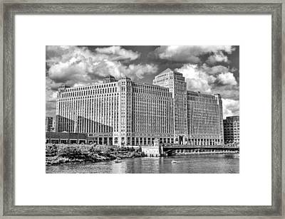 Chicago Merchandise Mart Black And White Framed Print by Christopher Arndt