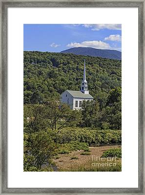 Church In Stowe Vermont Framed Print by Edward Fielding