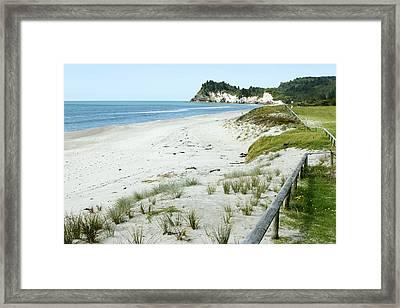 Coastline Nz Framed Print by Les Cunliffe