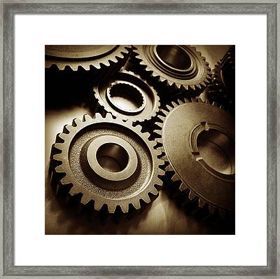 Cogs 1 Framed Print by Les Cunliffe
