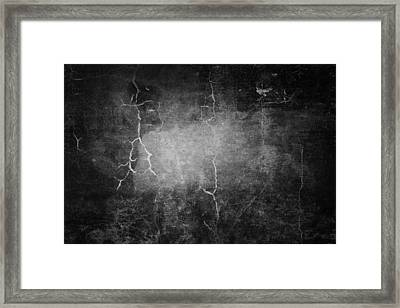 Cracks In Wall Framed Print by Les Cunliffe