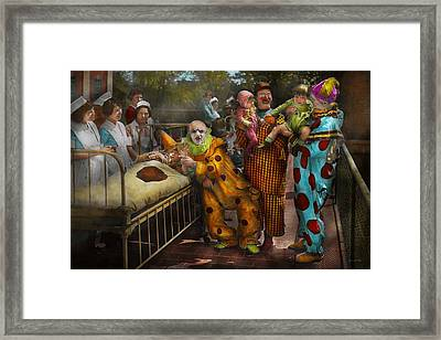 Doctor - Fear Of Clowns 1923 Framed Print by Mike Savad