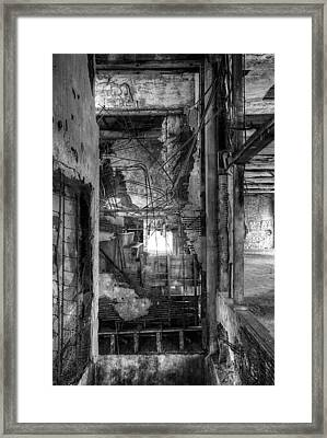 Don't Look Down Framed Print by Matthew Green