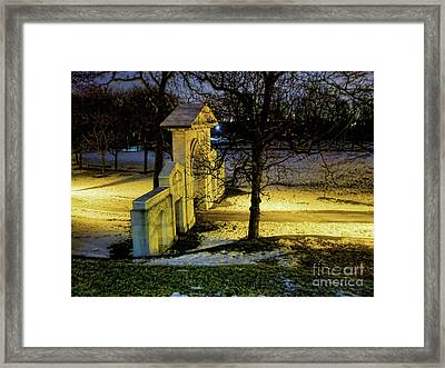 Dundurn Castle Gate Framed Print by Larry Simanzik
