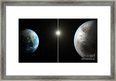 Earth And Exoplanet Kepler-452b Framed Print by Science Source
