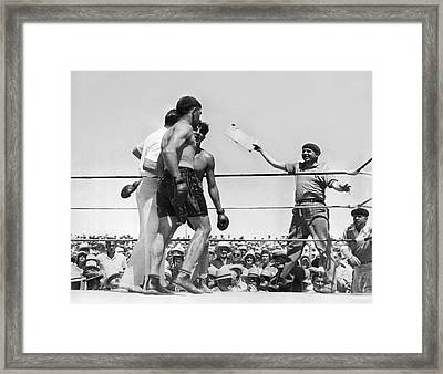 End Of Baer-uzcudun Fight Framed Print by Underwood Archives