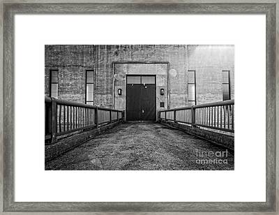 End Of The Line Framed Print by Edward Fielding