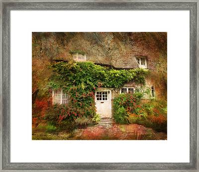 English Thatched Cottage On The Isle Of Wight Framed Print by Carla Parris