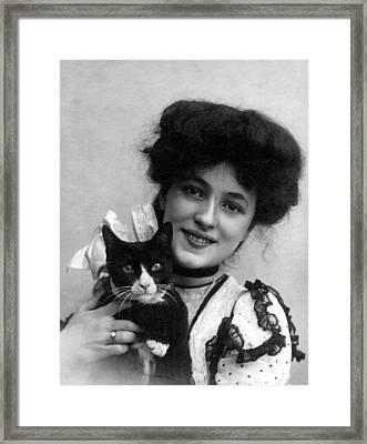 Evelyn Nesbit, Ca. 1902 Framed Print by Everett