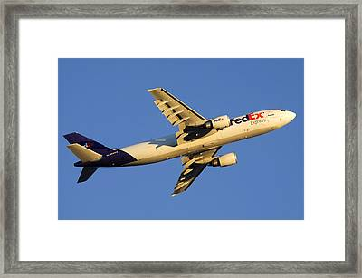 Fedex Airbus A300f4 605r N692fe Phoenix Sky Harbor December 23 2010 Framed Print by Brian Lockett
