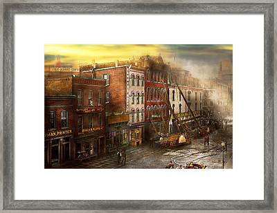Fireman - Washington Dc - Fire At Bedell's Bedding 1915 Framed Print by Mike Savad