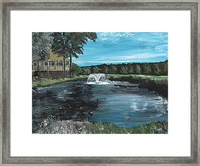 Fountain On The River Hills 17th Green Framed Print by Donna Mann