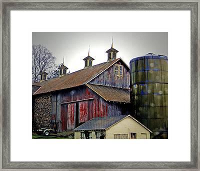 Gentle Rain On A Chadds Ford Barn Framed Print by Susan Hendrich