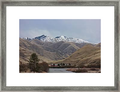 Grande Ronde River In Winter 1 Framed Print by Linda Meyer