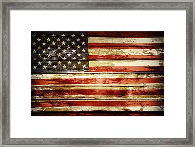 Grunge American Flag Framed Print by Les Cunliffe