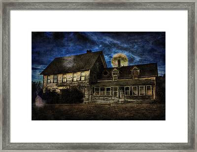 Haunted Nights Framed Print by Gary Smith