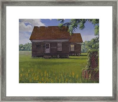 Historical Warrenton Farm House Framed Print by Peter Muzyka