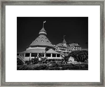 Hotel Del Coronado 001 Bw Framed Print by Lance Vaughn