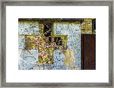 House Near Webster And Clybourn V4 Dsc4055 Framed Print by Raymond Kunst