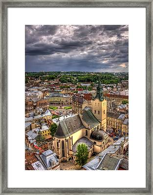 In The Heart Of The City Framed Print by Evelina Kremsdorf