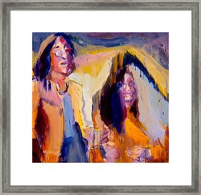 John And Yoko Framed Print by Les Leffingwell