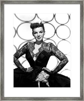 Judy Garland, Portrait, 1947 Framed Print by Everett