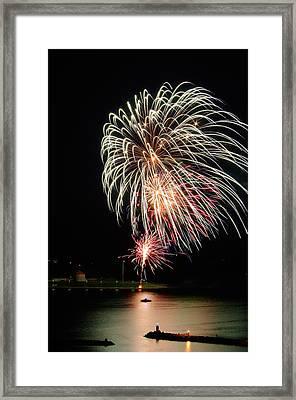 July 01 2015 Canada Day Fireworks Framed Print by Paul Wash