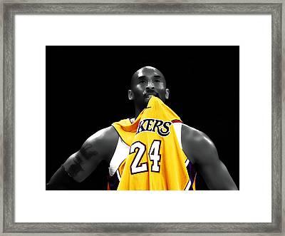 Kobe Bryant 04c Framed Print by Brian Reaves
