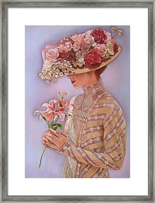 Lady Jessica Framed Print by Sue Halstenberg