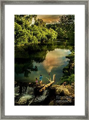 Last Seconds Of Summer Framed Print by Robert Frederick