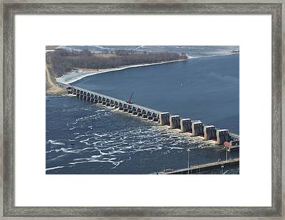 Lock And Dam 4 Framed Print by Ron Read