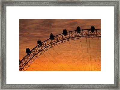 London Eye Sunset Framed Print by Martin Newman