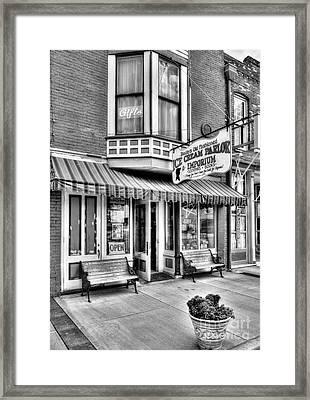 Mark Twain's Town 2 Bw Framed Print by Mel Steinhauer