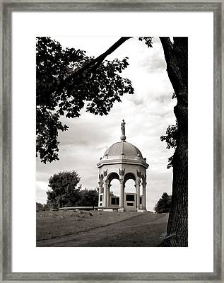 Maryland Monument Black And White Framed Print by Judi Quelland