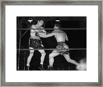 Max Baer And Lou Nova Boxing Framed Print by Underwood Archives