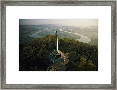 Memorial To The Battle Of Chattanooga Framed Print by Sam Abell