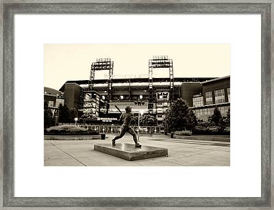 Mike Schmidt In Sepia Framed Print by Bill Cannon
