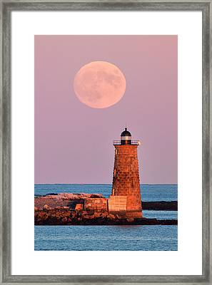 Moon Over Whaleback Framed Print by Eric Gendron