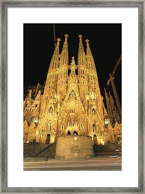 Night View Of Antoni Gaudis La Sagrada Framed Print by Richard Nowitz