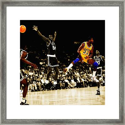 No Look Pass 3 Framed Print by Brian Reaves
