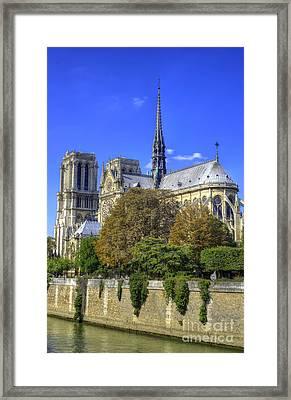 Notre Dame, Paris Framed Print by Juli Scalzi