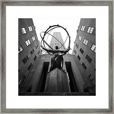 Nyc Rockefellar Center Framed Print by Nina Papiorek