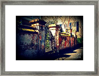 Old Iron Gate In Charleston Sc Framed Print by Susanne Van Hulst