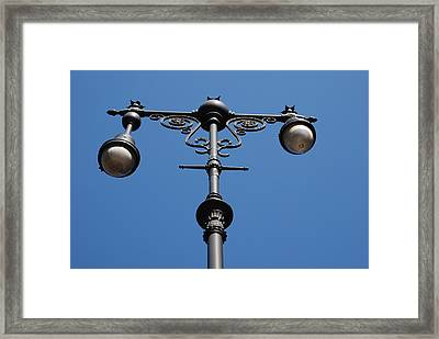 Old Lamppost Framed Print by Rob Hans