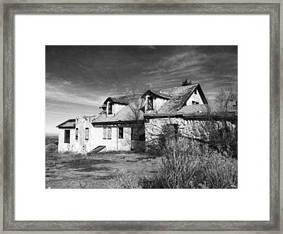 Once Upon A Time In The Desert 2 Framed Print by Glenn McCarthy Art and Photography