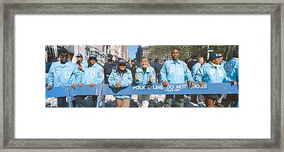 Parade For 1998 World Series Champions Framed Print by Panoramic Images